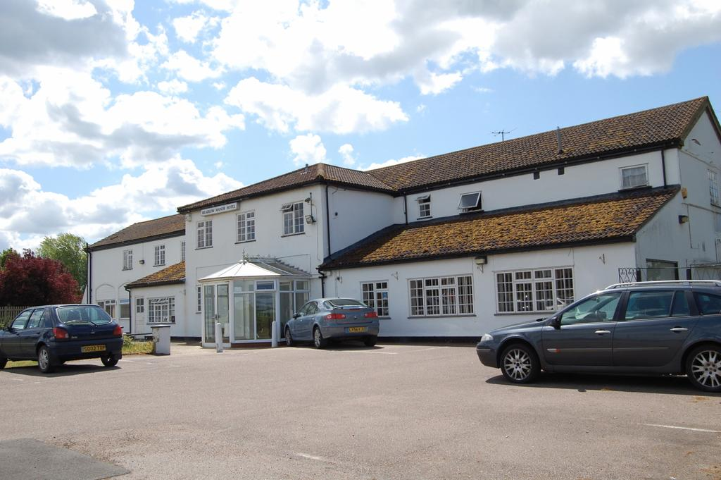 Beadlow Manor Hotel and Golf Club Private Hire Taxi